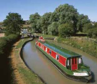 Narrow boat i England